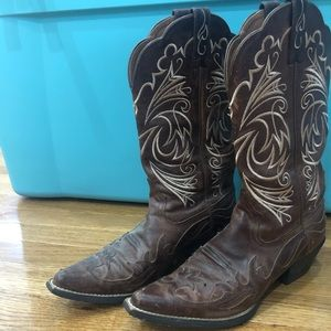 ARIAT brown leather boots